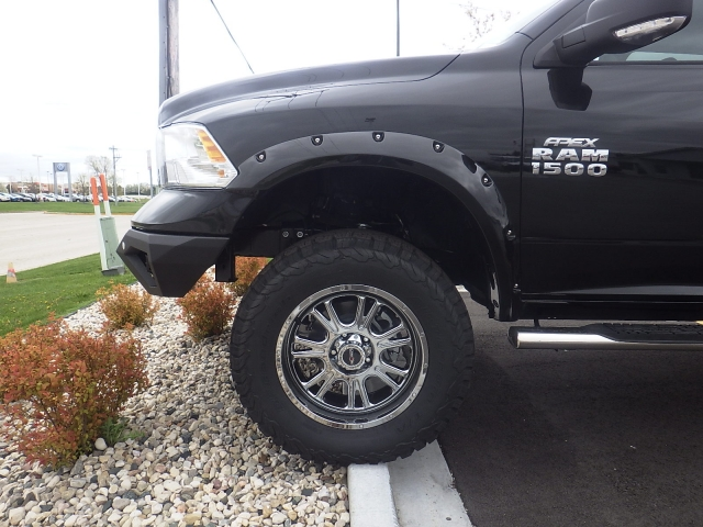 2016 Ram 1500 Crew Cab 4x4, Pickup #DG324 - photo 10