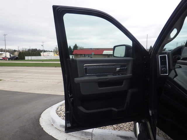 2016 Ram 1500 Crew Cab 4x4, Pickup #DG324 - photo 14