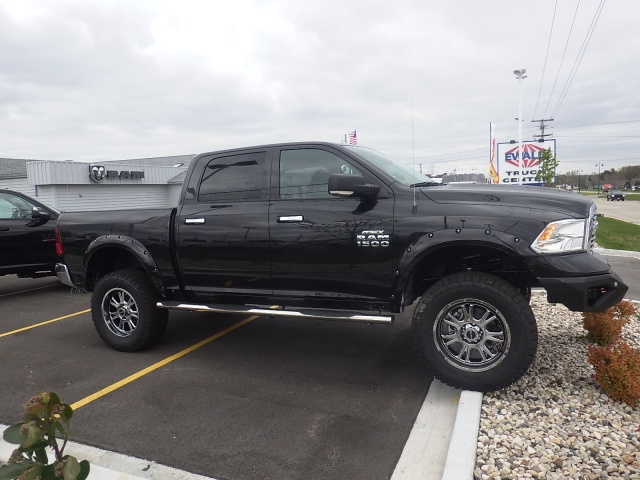 2016 Ram 1500 Crew Cab 4x4, Pickup #DG324 - photo 3