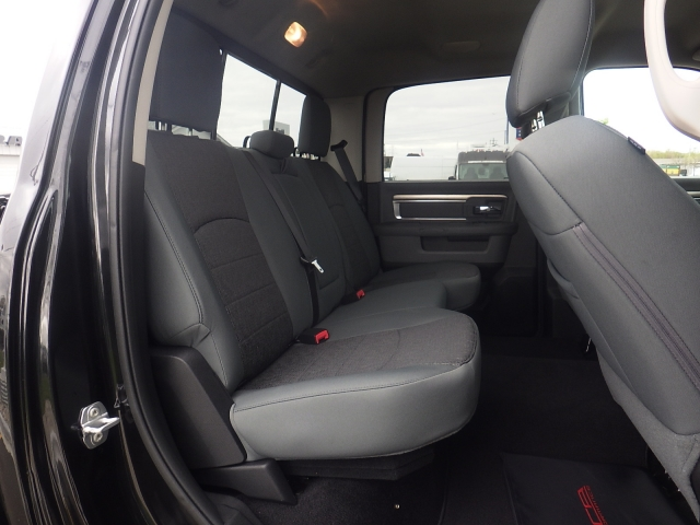 2016 Ram 1500 Crew Cab 4x4, Pickup #DG324 - photo 32