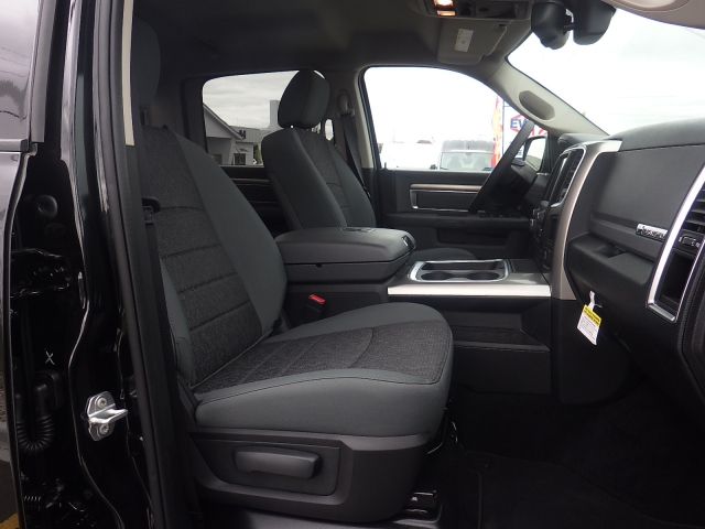 2016 Ram 1500 Crew Cab 4x4, Pickup #DG324 - photo 34