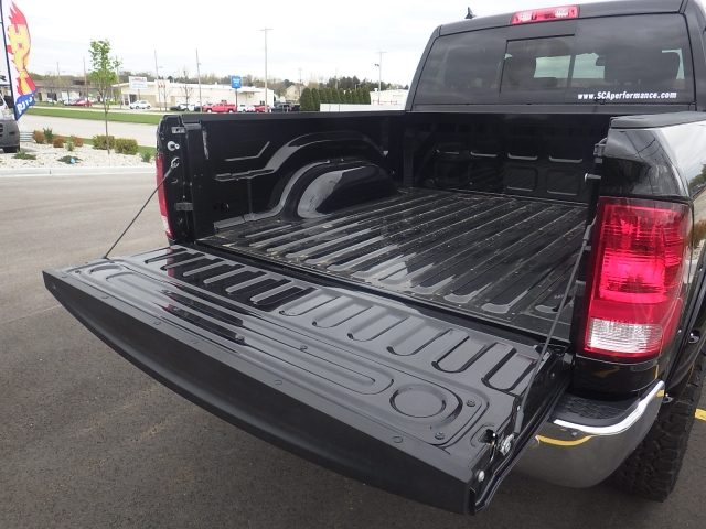2016 Ram 1500 Crew Cab 4x4 Pickup #DG324 - photo 37
