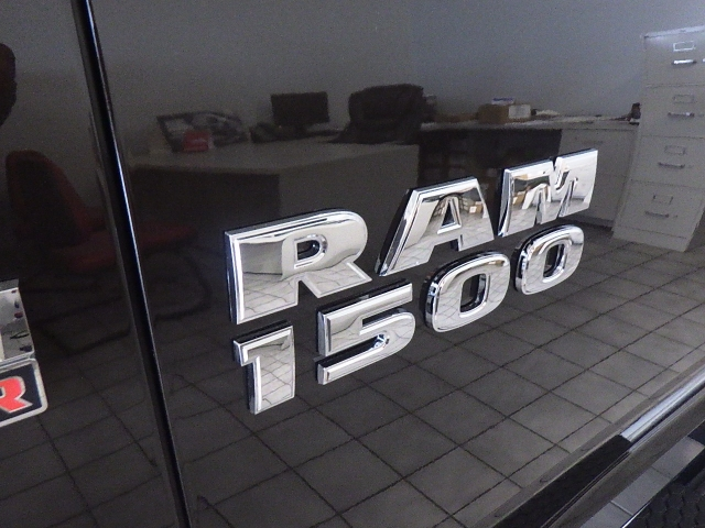 2016 Ram 1500 Crew Cab 4x4, Pickup #DG335 - photo 14