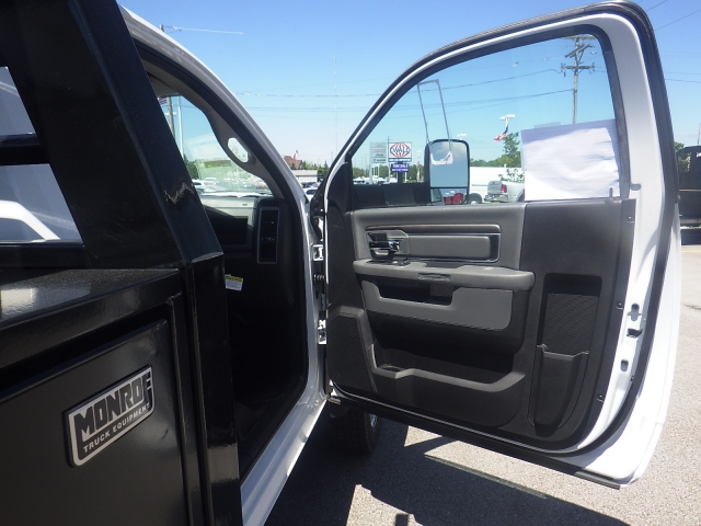 2016 Ram 4500 Regular Cab DRW, Contractor Body #DG441 - photo 42