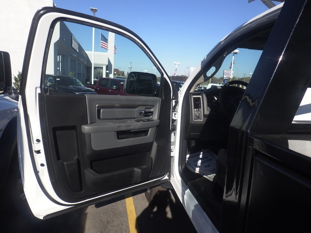 2016 Ram 4500 Regular Cab DRW, Contractor Body #DG441 - photo 14