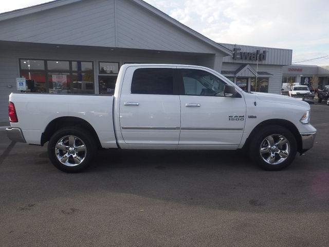 2016 Ram 1500 Crew Cab 4x4, Pickup #DG458 - photo 3