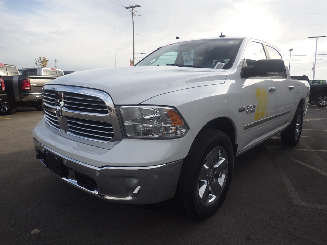 2016 Ram 1500 Crew Cab 4x4, Pickup #DG458 - photo 8
