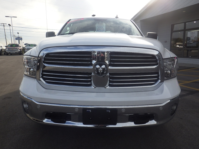 2016 Ram 1500 Crew Cab 4x4, Pickup #DG458 - photo 9