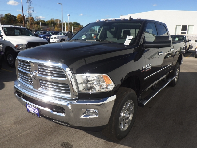 2017 Ram 2500 Crew Cab 4x4, Pickup #DH121 - photo 11
