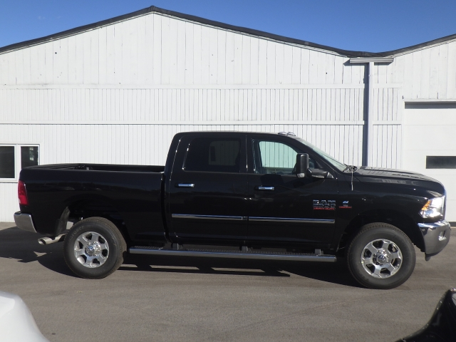 2017 Ram 2500 Crew Cab 4x4, Pickup #DH121 - photo 3
