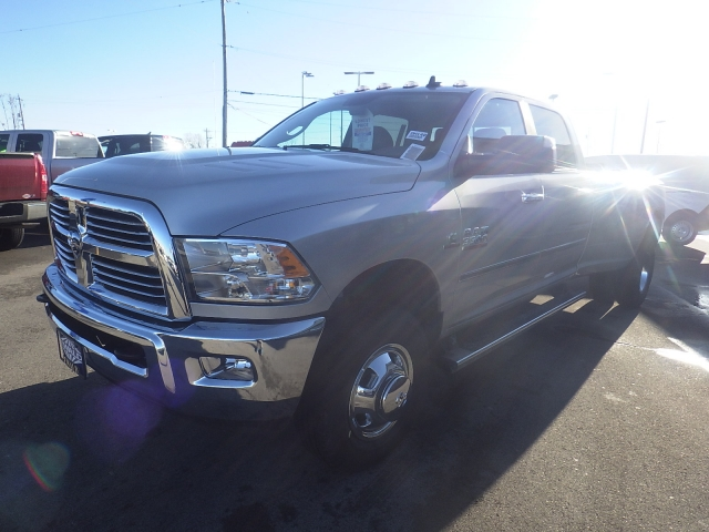 2017 Ram 3500 Crew Cab DRW 4x4, Pickup #DH140 - photo 8