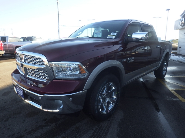 2017 Ram 1500 Crew Cab 4x4, Pickup #DH181 - photo 7