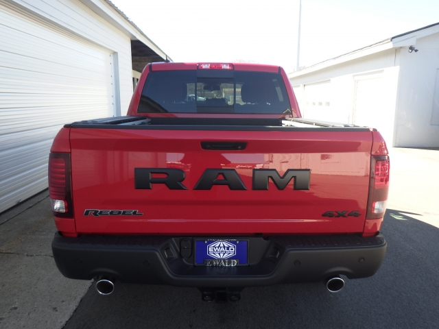 2017 Ram 1500 Crew Cab 4x4, Pickup #DH195 - photo 10