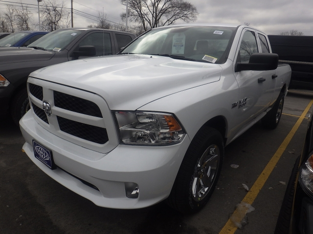 2017 Ram 1500 Quad Cab 4x4, Pickup #DH226 - photo 4
