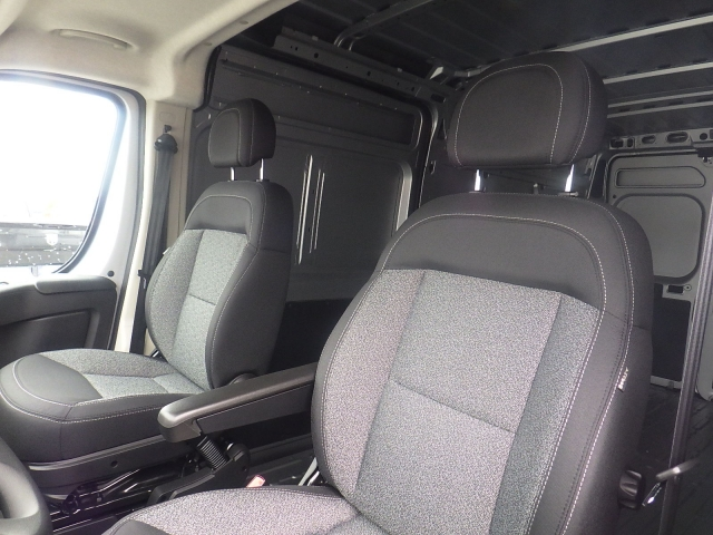 2017 ProMaster 2500 High Roof Cargo Van #DH300 - photo 13