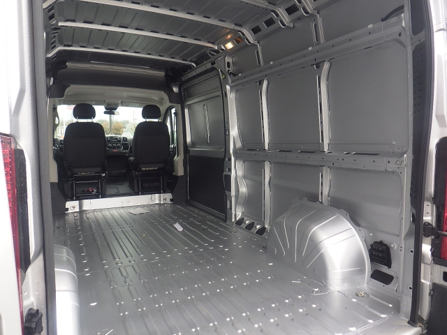2017 ProMaster 2500 High Roof Cargo Van #DH300 - photo 28