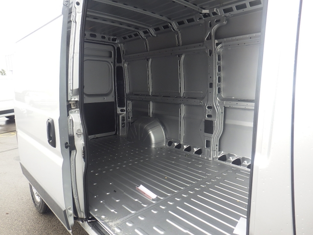 2017 ProMaster 2500 High Roof Cargo Van #DH300 - photo 31