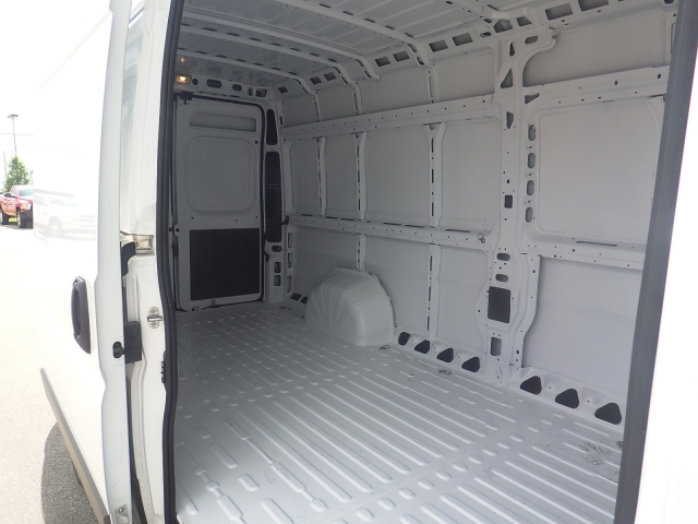 2017 ProMaster 3500 High Roof Cargo Van #DH301 - photo 31