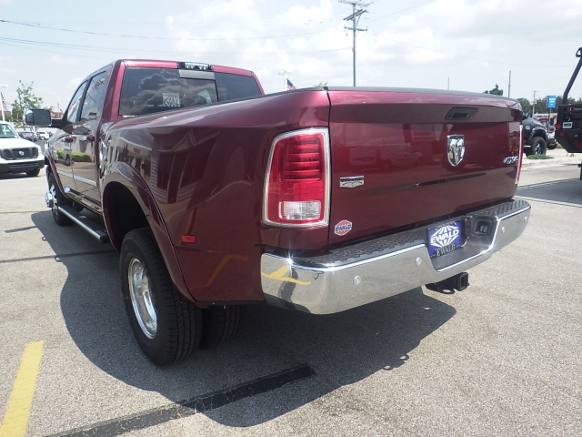 2017 Ram 3500 Crew Cab DRW 4x4, Pickup #DH365 - photo 5