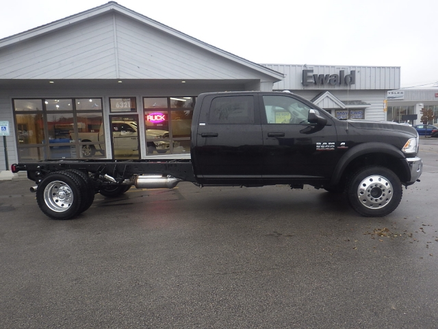 2017 Ram 5500 Crew Cab DRW 4x4 Cab Chassis #DH404 - photo 4