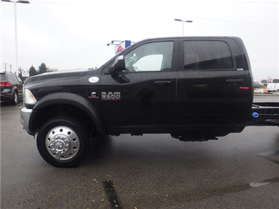 2017 Ram 5500 Crew Cab DRW 4x4 Cab Chassis #DH404 - photo 10