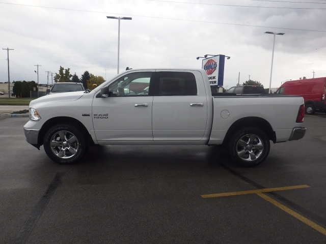 2018 Ram 1500 Crew Cab 4x4, Pickup #DJ108 - photo 6