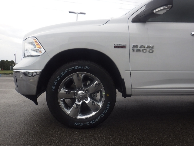 2018 Ram 1500 Crew Cab 4x4, Pickup #DJ108 - photo 10