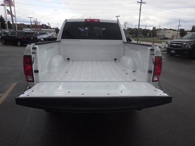 2018 Ram 1500 Crew Cab 4x4, Pickup #DJ108 - photo 28