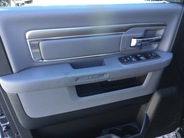 2018 Ram 1500 Crew Cab 4x4, Pickup #DJ110 - photo 18