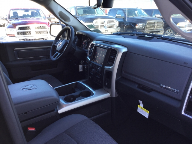 2018 Ram 1500 Crew Cab 4x4, Pickup #DJ110 - photo 22