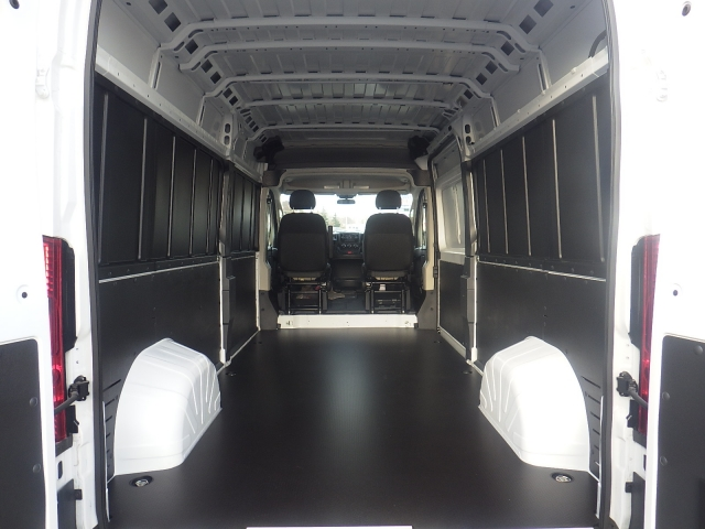 2018 ProMaster 2500 Cargo Van #DJ123 - photo 2