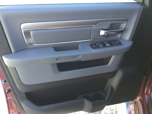 2018 Ram 1500 Crew Cab 4x4, Pickup #DJ144 - photo 20