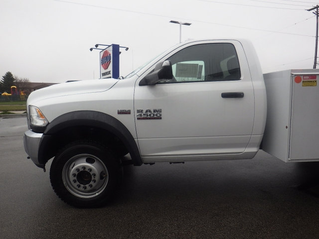 2017 Ram 4500 Regular Cab DRW 4x4 Service Body #DJ153 - photo 17
