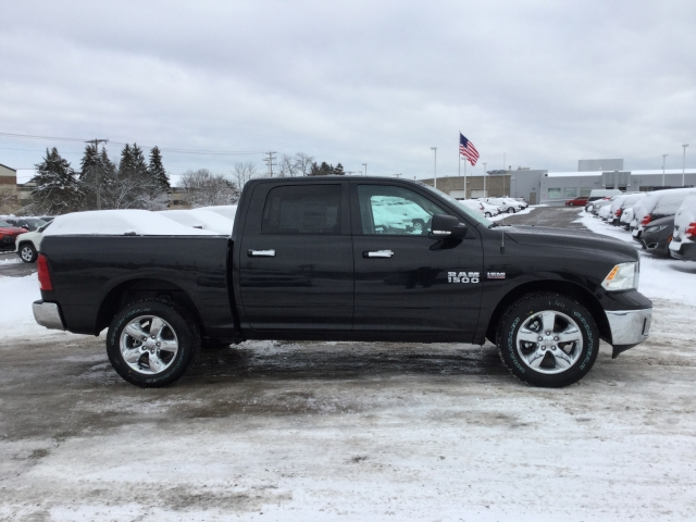 2018 Ram 1500 Crew Cab 4x4, Pickup #DJ163 - photo 3