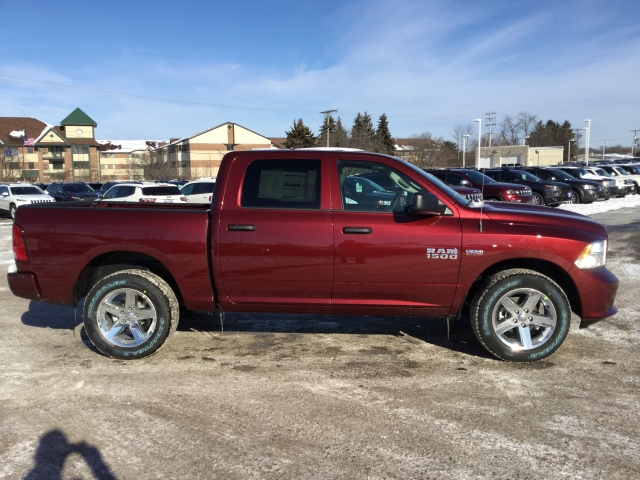 2018 Ram 1500 Crew Cab 4x4, Pickup #DJ171 - photo 3