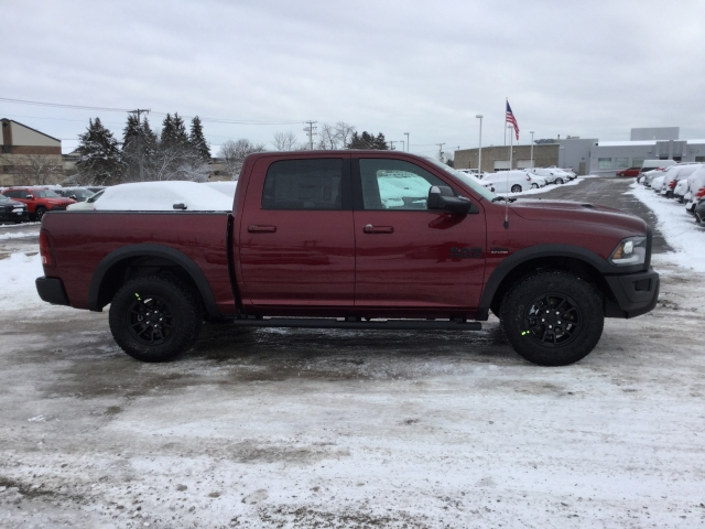 2018 Ram 1500 Crew Cab 4x4, Pickup #DJ175 - photo 3