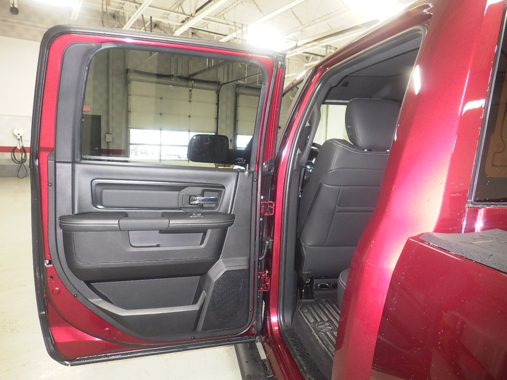 2018 Ram 1500 Crew Cab 4x4, Pickup #DJ175 - photo 32