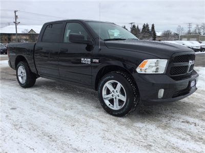 2018 Ram 1500 Crew Cab 4x4, Pickup #DJ177 - photo 3