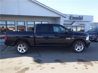 2018 Ram 1500 Crew Cab 4x4, Pickup #DJ198 - photo 4