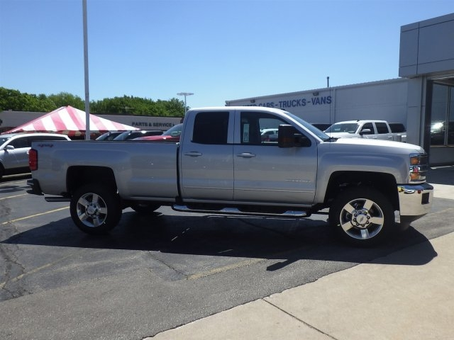 2017 Silverado 2500 Double Cab 4x4 Pickup #17C1040 - photo 3