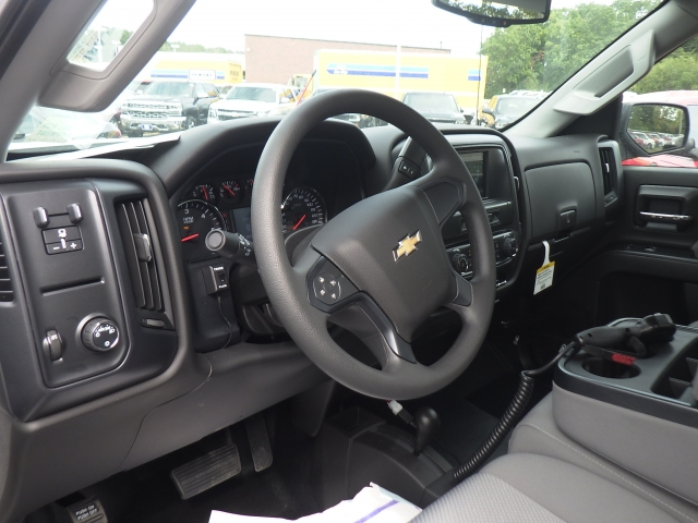 2018 Silverado 2500 Regular Cab 4x4 Pickup #18C121 - photo 19