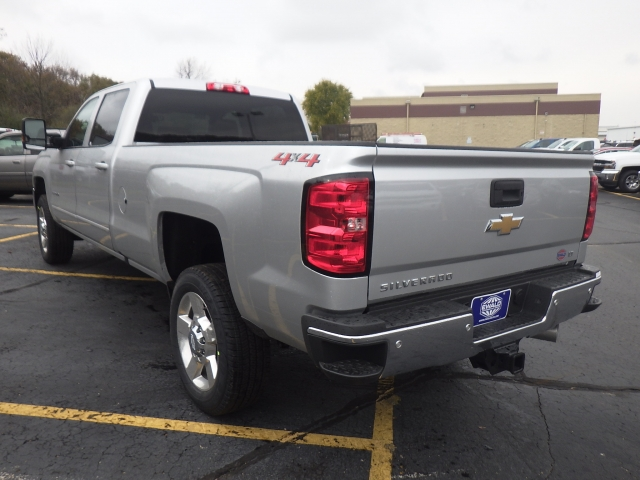 2018 Silverado 2500 Crew Cab 4x4 Pickup #18C232 - photo 8