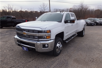 2018 Silverado 3500 Crew Cab, Pickup #18C297 - photo 11