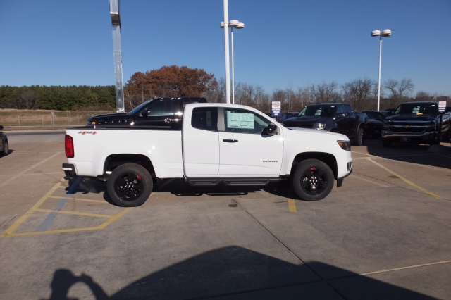2018 Colorado Extended Cab 4x4, Pickup #18C351 - photo 3