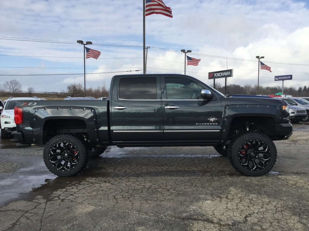 2018 Silverado 1500 Crew Cab 4x4, Pickup #18C437 - photo 3