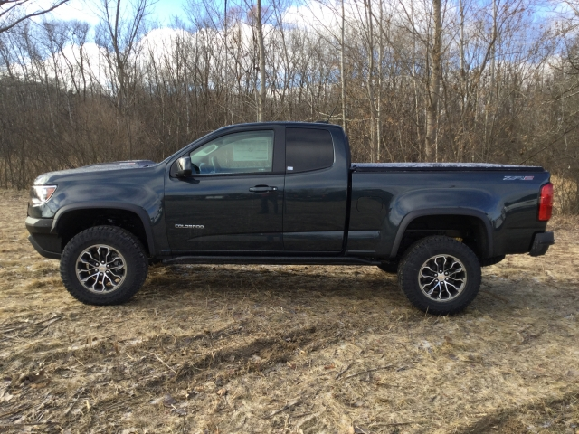2018 Colorado Extended Cab 4x4, Pickup #18C513 - photo 5