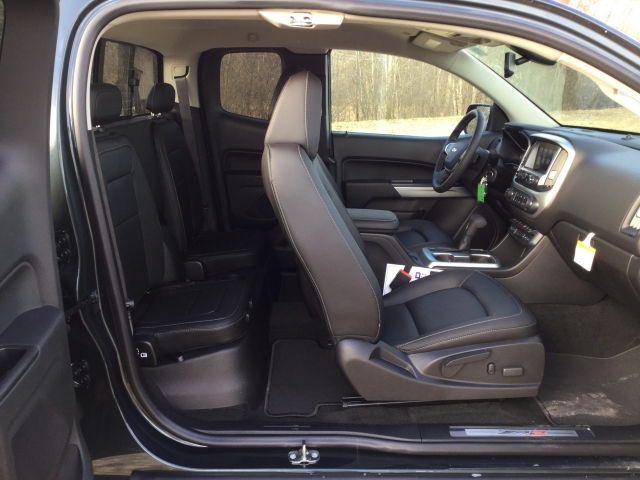 2018 Colorado Extended Cab 4x4, Pickup #18C513 - photo 26