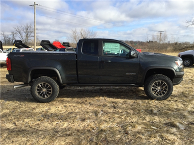2018 Colorado Extended Cab 4x4, Pickup #18C513 - photo 4
