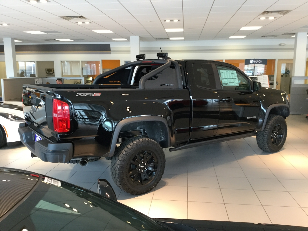 2018 Colorado Extended Cab 4x4, Pickup #18C522 - photo 2