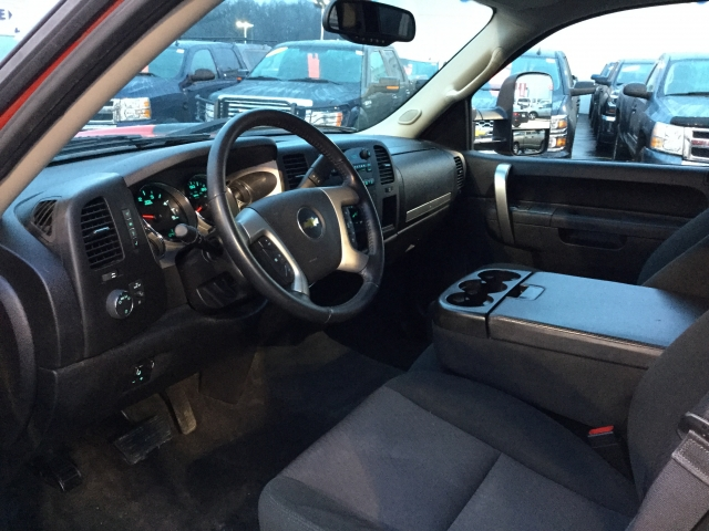 2014 Silverado 2500 Crew Cab 4x4, Pickup #18C542A - photo 27
